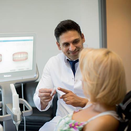 Zahnarzt Moabit - Mitic - Beratung in unserer Praxis